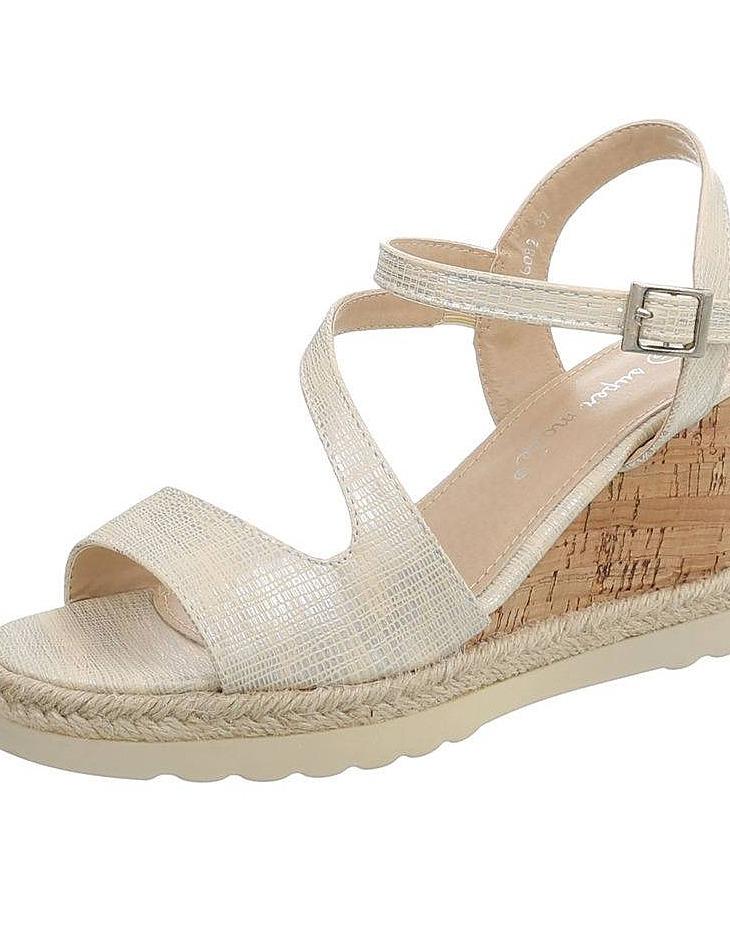 b4d90bfd9482 Dámske sandále na platforme